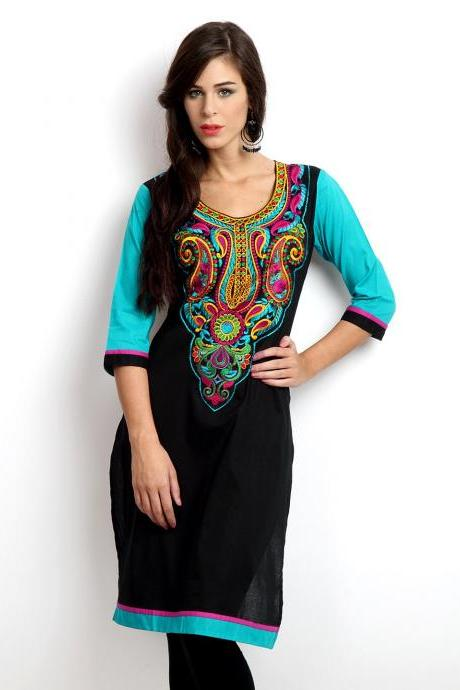 Women Black Embroidered 'Kurta'