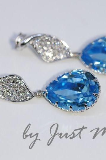 Cubic Zirconia Detailed Twisted Leaves Earring with Swarovski Aquamarine Teardrop (E233)