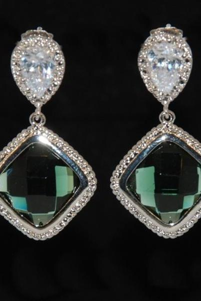 Cubic Zirconia Teardrop Earring with Emerald Green Fancy Glass (E113)