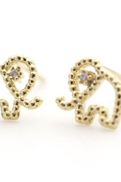 Cute and Tiny elephant Post Earring detailed with CZ gold