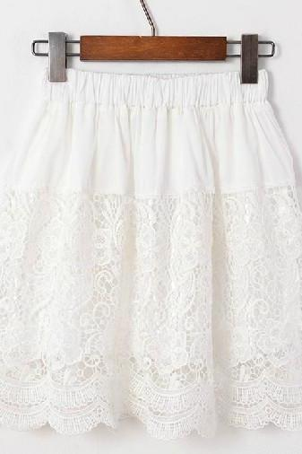 White Short Retro Inspired Chantilly Lace Skirt with Scalloped Edges