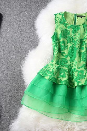 Fashion New Luxury Gorgeous Embroidered Lace Dress - Green