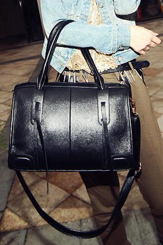Beautiful Black Fashion Hand Bag