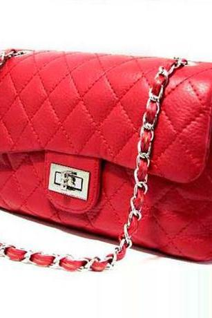 Red Chain Design Shoulder Bag