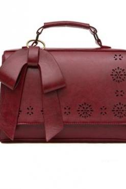 Wine Red Bow Design Messenger Bag
