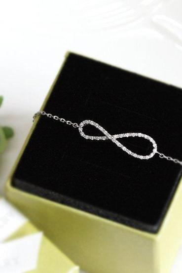 Bridesmaid gifts - Set of 6 - Infinity bracelet with crystal