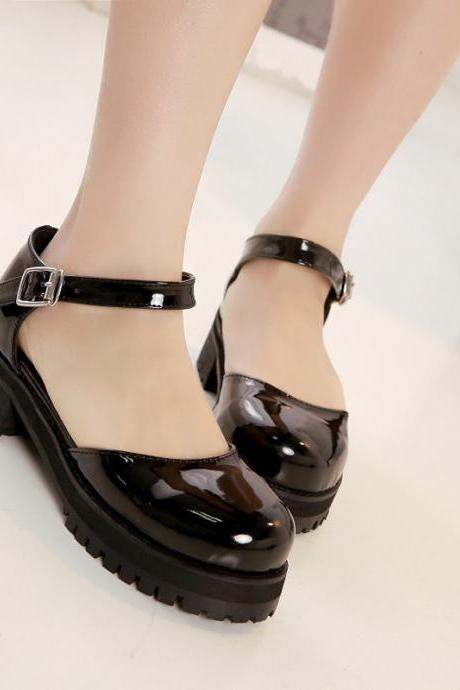 College Wind retro Sen female line hollow word buckle patent leather shoes, sandals shoes