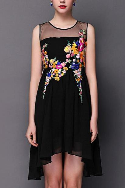 Luxury Embroidered Flower Lace Dress - Black