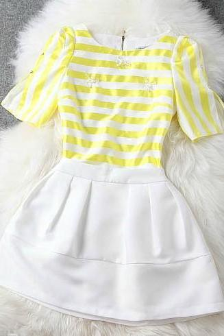 Spring striped shirt + mini skirt suit H442118