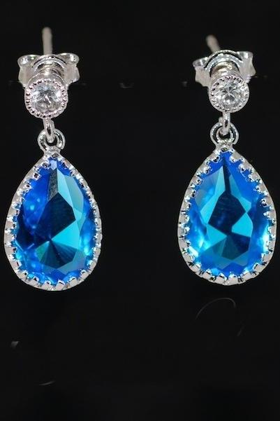 Round Cubic Zirconia Earring with Blue Zircon Teardrop Glass (E388)