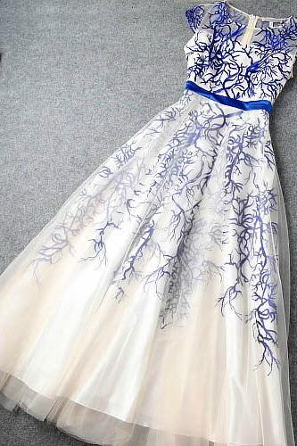 Embroidered dress princess dress H44223