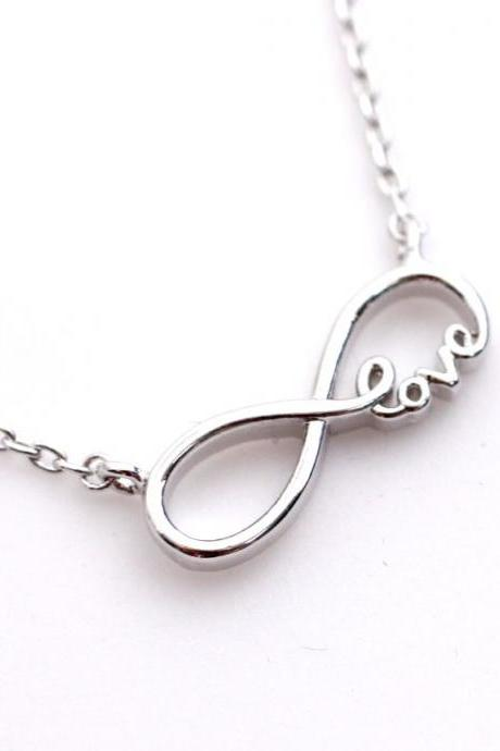 Infinity Love pendant necklace in Silver