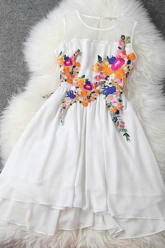 Spring and summer chiffon embroidered stitching Slim Princess dress H44238