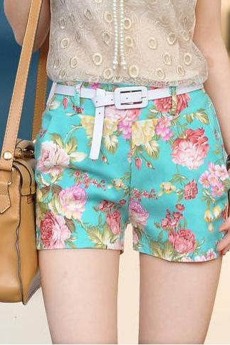 LOW WAISTED FLOWER SHORT floral print
