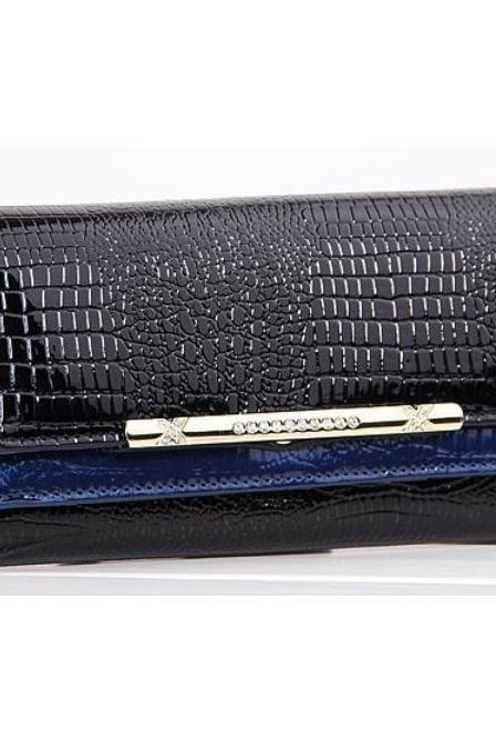 Classy & Chic Large 7.5' Blue Crocodile Pattern Ladies Leather Wallet