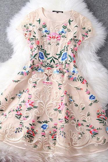 Nice Exquisite Embroidery Palace Disk Flower Party Dress &Dress