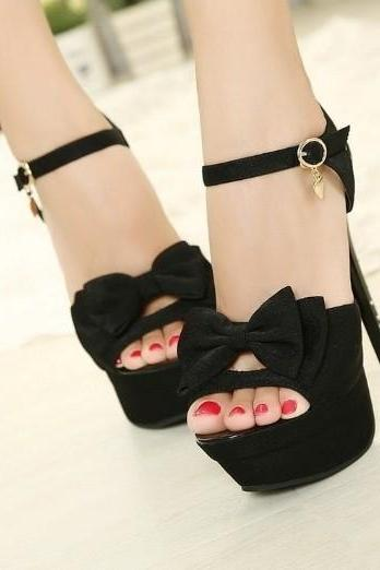 Bow hollow high-heeled shoes