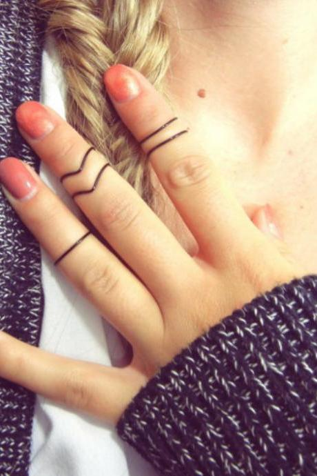 4 pcs knuckle rings, simple V ring