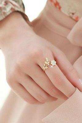 diamond-encrusted temperament twisted leaves flowers opening ring