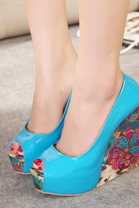 Women's high-heeled shoes with piscine mouth and platform