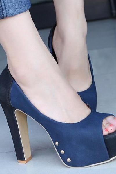 Female high-heeled suede shoes with piscine mouth