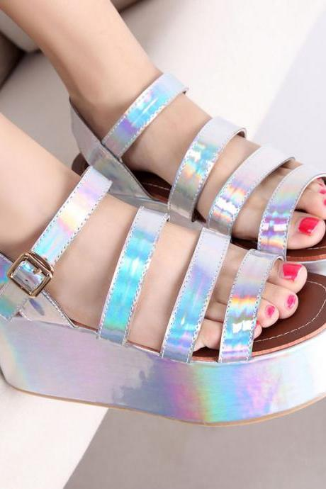 Women sandals with belt buckle and platform