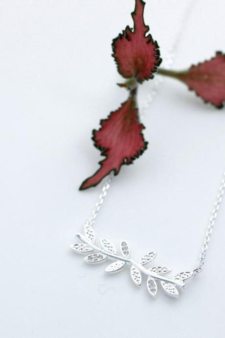 Siadeways Bay Leaf branch pendant necklace detailed with CZ in silver