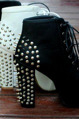 Stylish Black Rivets Chunky Heels Black Boots