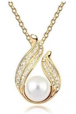 Free Shipping Elegant Pearl Embellished Necklace in Gold and Silver