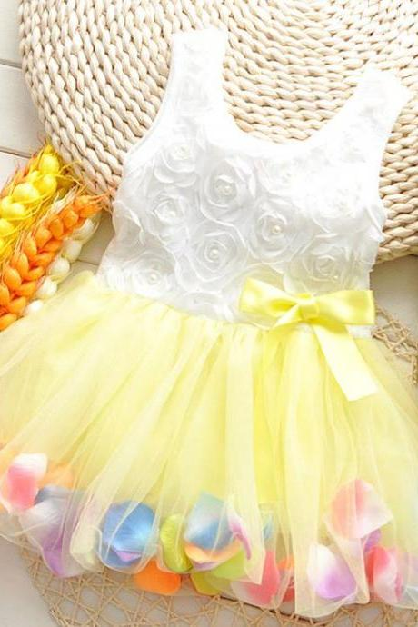 Yellow Dress with Petals in the Hem and Pearls Decoration-Cute Baby Girls Dress