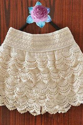 Beige Hollow Lace Shorts S M L