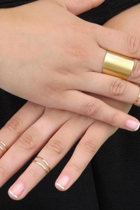 Set of 6 gold stacking rings with 1 tube ring - Gold ring, Knuckle Ring, 6 midi gold rings, Gold tube ring, Gold jewelry, Unique gift