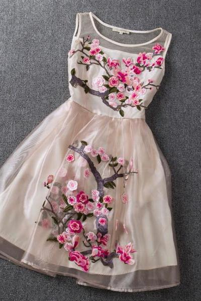 Evergreen Embroidered Dress - Pink