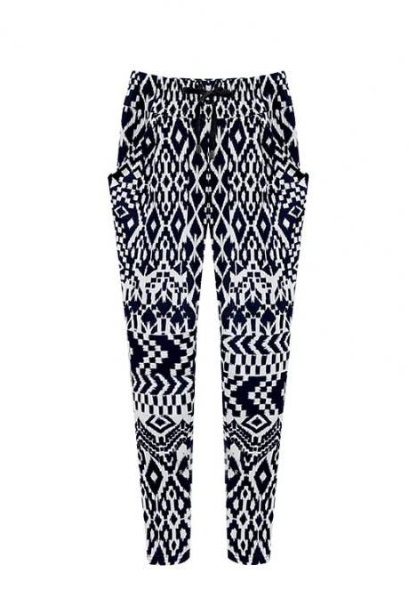 Black and White Geometric Print Peg Pants