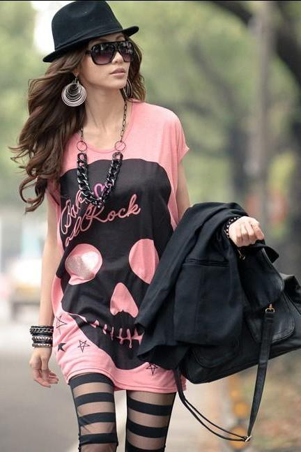 Love the big skull long T-shirt