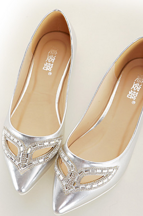 Metallic Pointed-Toe Masquerade Cutout Flats - Gold/Silver