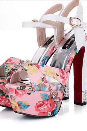 Elegant Floral Design High Heel Fashion Sandals