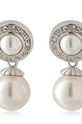 RED APPLE Circle Earrings with Pearl Decoration(White)