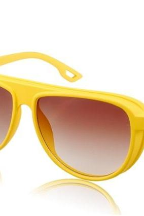 S1016-C6 Women's Plastic Frame Resin Lens Stylish Sunglasses (Yellow)