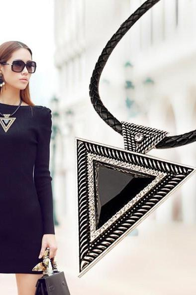 Vintage Jewelry Triangle Statement Necklace Rhinestone Necklaces & pendants Leather Chain Dress Costume Item N14