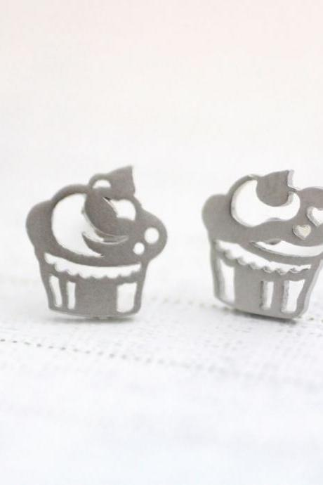 cute and unique Cupcakes post earrings in silver