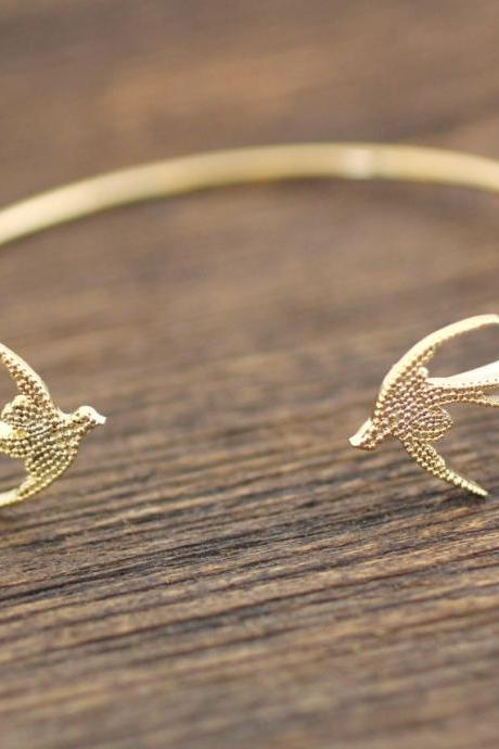 Swallow Bird Bangle Blacelet in Gold