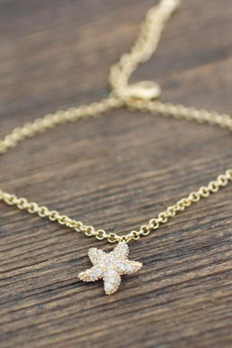 Starfish dangle charm Bracelet detailed with CZ in Gold