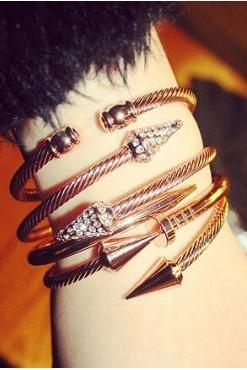 Crystal Arrows Golden Stacks Bracelet