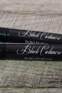 Black Cashmere Solid Perfume