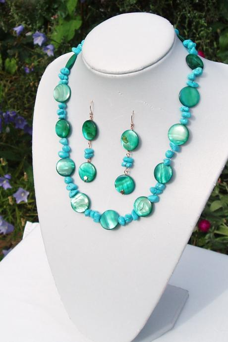 Turquoise and Shell Pearl Necklace