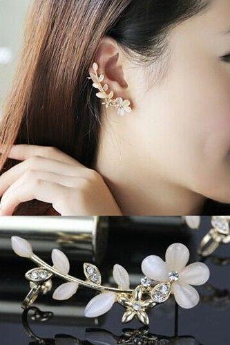 Free shipping 2 PCS Flower Silver Plated Rhinestone Ear Cuff Clips Earrings Earring Stud