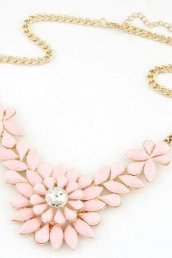 Cheap Fashion Gems Decorated Flower Shaped Pink Metal Necklace
