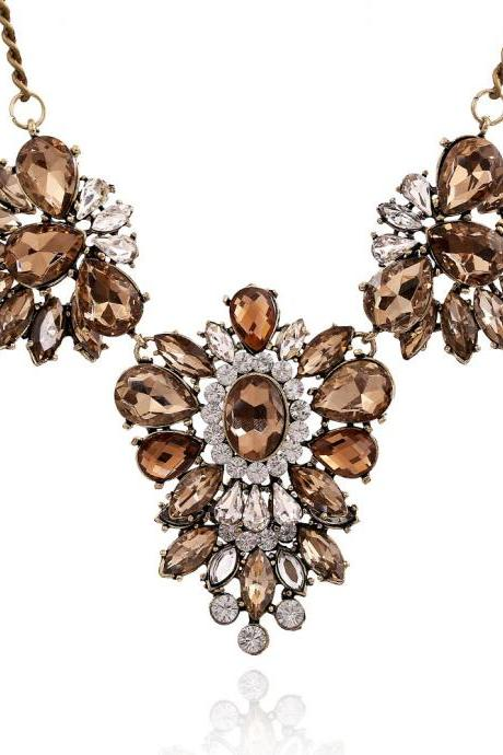 Cheap Fashion Rhinestones Embellished Flower Shaped Champagne Metal Necklace