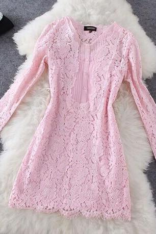 Fashion style lace long-sleeved dress ( Two-piece )